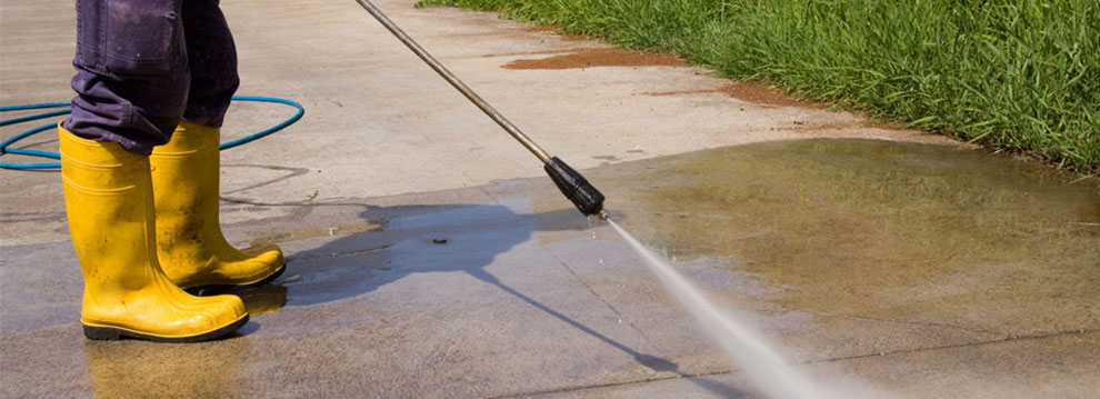 Ground and commercial cleaning