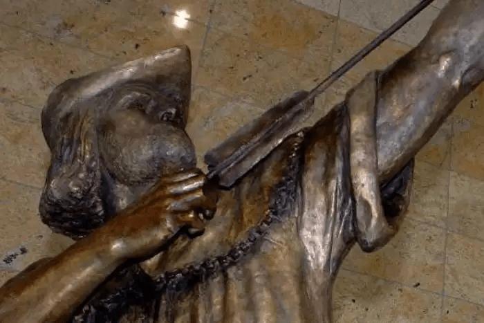 Bronze Statue of Robin Hood